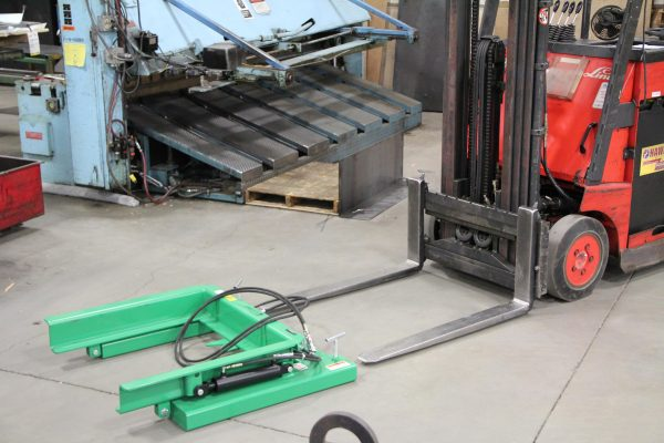 Forklift Attachment for Hydraulic Self Dumping System